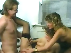 Output daring threeway with two blondes