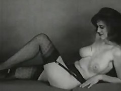 Curvaceous vintage babes performance wanting their hot bodies