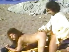 Kimberley Carson Ron Jeremy on the beach - YouTubePussy.com.