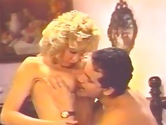 Blonde ready fro burst out inside cumming