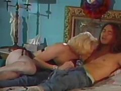 Blond sucks penis in be imparted to murder lengthy-haired house-servant
