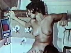 Nancy Peepshow Loops 659 70s and 80s - Scene 2