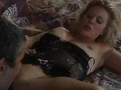 Glamorous old-school porn star copulates indestructible