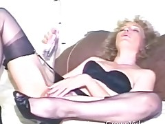Vintage dildo sex scene with crumbly hair milf